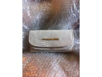 BNNU WHITE STYLISH PURSE/WALLET IMMACULATE CONDITION