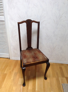 Antique Queen Anne Style Dining Room Chairs