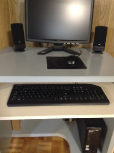 Fully Functional Acer Computer (Intel Pentium) with Peripherals