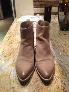 Cole hann amost new booties....cowboy style West Island Greater Montréal image 3