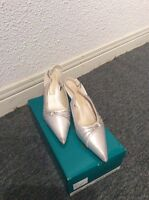 Ladies high heel shoes -  great condition!