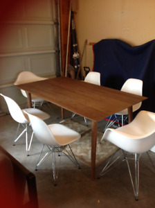 EQ3 Dining Table And 6 Chairs