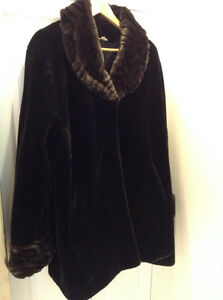 "ELEGANT FAUX FUR COAT 3/4 LENGTH!!! SIZE XL FROM ""CLEO""....HAND"