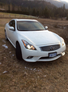 Infiniti G37xS Coupe (2 door)