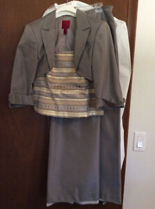 Elegant 3 pc Mother of the Bride/Groom Outfit Kitchener / Waterloo Kitchener Area image 1