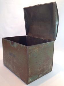Vintage hump back tin container Peterborough Peterborough Area image 3