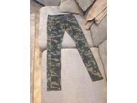 River island Brand new camo jeans size 8R