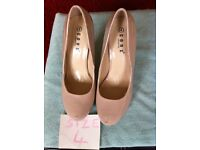 Nude patent shoes size 4