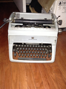 Vintage Underwood typewriter for sale