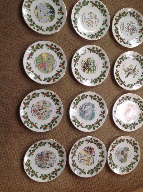 Royal grafton 12 days of Christmas plates