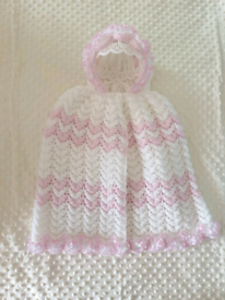 Babies lace hooded cape