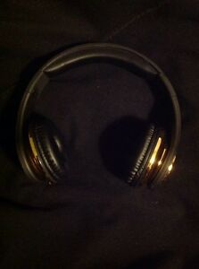 mint condition true religion headphones