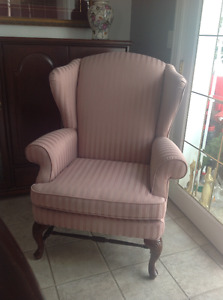 Beautiful classic Wing Back chair - Immaculate