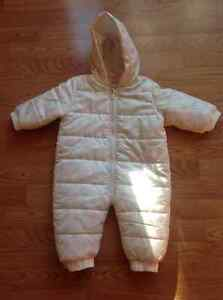 Pink polka dot snowsuit/bunting, girls, 6-12 months, like new