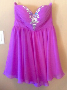 DAMAS GRAD ESCORT DRESS