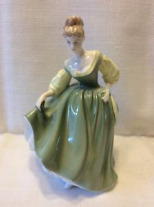 Royal Doulton Figurine Fair Lady HN 2193