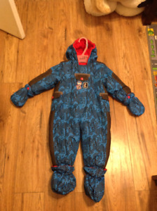 Manteaux Onepiece Gusti Size - 18 mois, comme neuf!