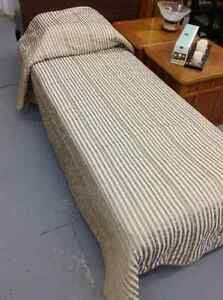 Bedding - Bed Spreads & Duvets