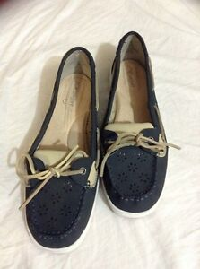 """I love comfort"" shoes. Leather upper. Size 10 London Ontario image 3"