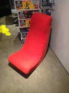 RED GAMERS CHAIR