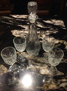 Decanter and 4 wine glasses