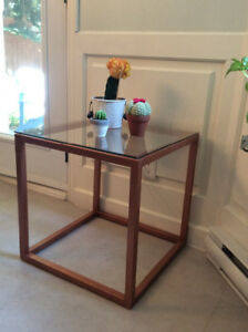 Table cubique