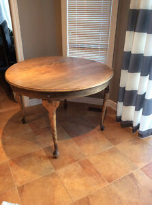 Antique table Cornwall Ontario image 3