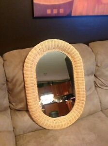 "28"" wicker mirror"