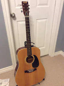 Vintage classic raven 6 string acoustic guitar with fender case