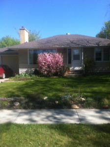 PRICE REDUCED !!  BUNGALOW IN LACOMBE