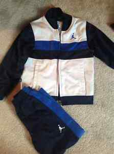 Size 3 Name brand matching outfits Cambridge Kitchener Area image 2