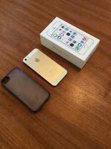 Gold iPhone 5S 16 GB for sale - locked to Telus