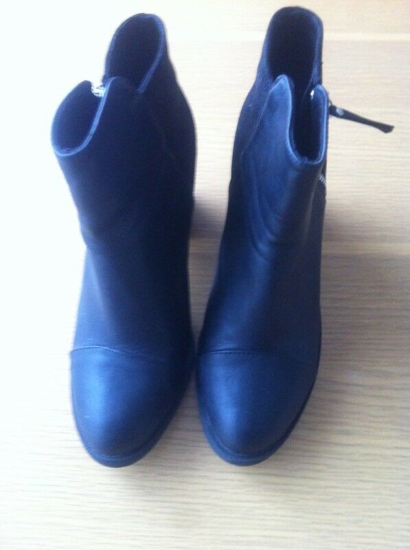 Black ankle boots size 40