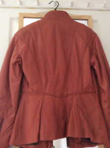 Exquisitely Tailored Leather Jacket by Danier Leather *LIKE NEW*