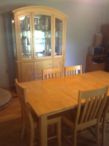 Dining Table and 6 Chairs & China Cabinet, pinewood