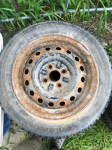 4 Rim monter sur pneu hivers clouté