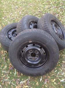 4 pneus Hiver Vredestein 205/70/15