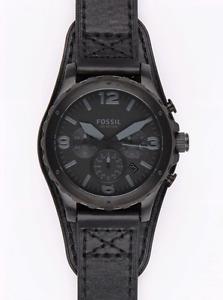 Montre Fossil noire avec bracelet en cuir