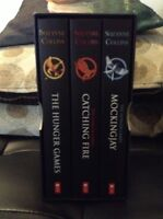 The Hunger Games Trilogy Box Set [Paperback]