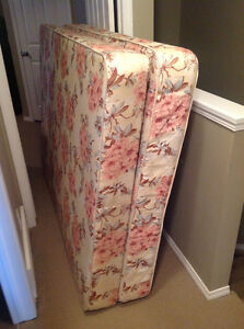 Mattress and boxspring 73x53. (Double twin?)