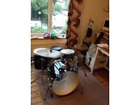 Drum kit & extras