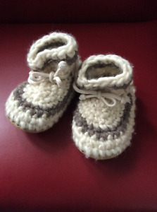 Deluxe slipper  size 7 or 2 years