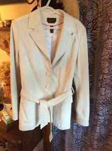 Ladies white leather trench coat Kitchener / Waterloo Kitchener Area image 1