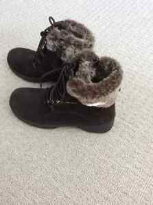 Brand new -- Ladies size 8-1/2 Denver Hayes Winter Boots