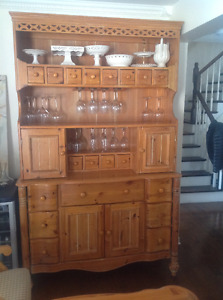 Solid Pine dining set and buffet