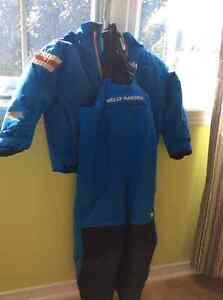 Helly hansen snow suit size 4 toddler Gatineau Ottawa / Gatineau Area image 1