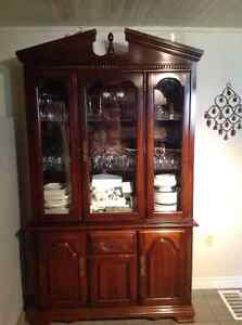 Dining table, chairs, buffet hutch. DELIVERY AVAILABLE Cambridge Kitchener Area image 2