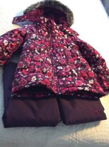 Girls Oshkosh snowsuit size 6
