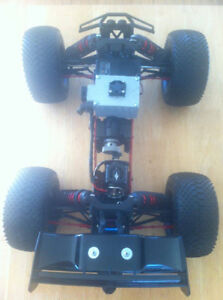 1/5 HPI Savage RC trail truck with sound and lights