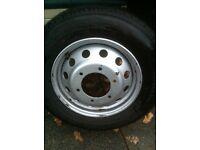 Transit pickup wheel and tyre